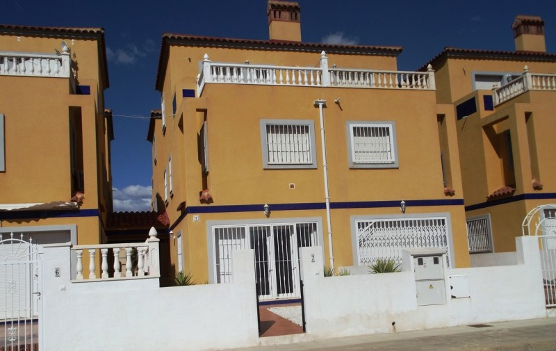 Close to Los Dolse and Playa Flamenca on Spains Orihuela Costa, cheap, bargain property for sale in La Zenia