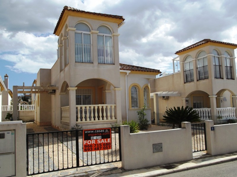 Cheap bargain property for sale in benimar, cheap villa close to quesada for sale on Spains costa blanca, spain for sale.