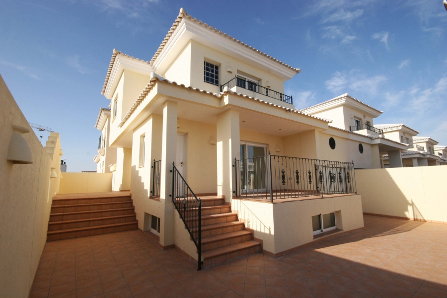 New Property for sale - Villa for sale - Torrevieja - La Torreta Florida