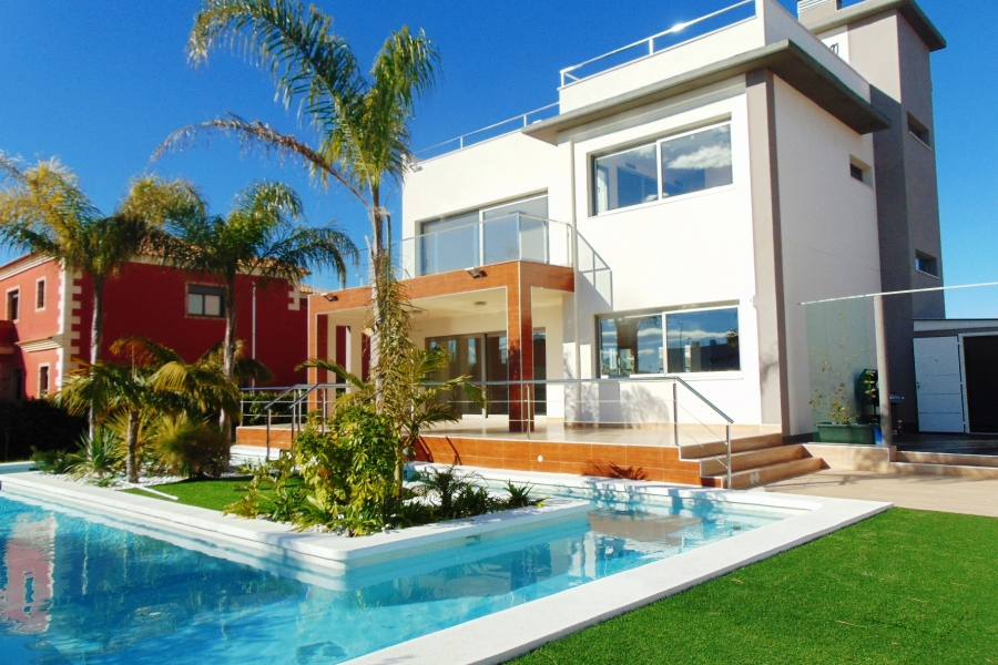 New Property for sale - Villa for sale - Orihuela Costa - La Zenia