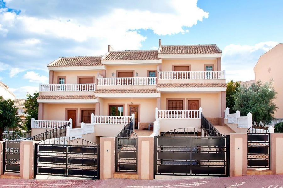 New Property for sale - Townhouse for sale - Torrevieja - Los Balcones