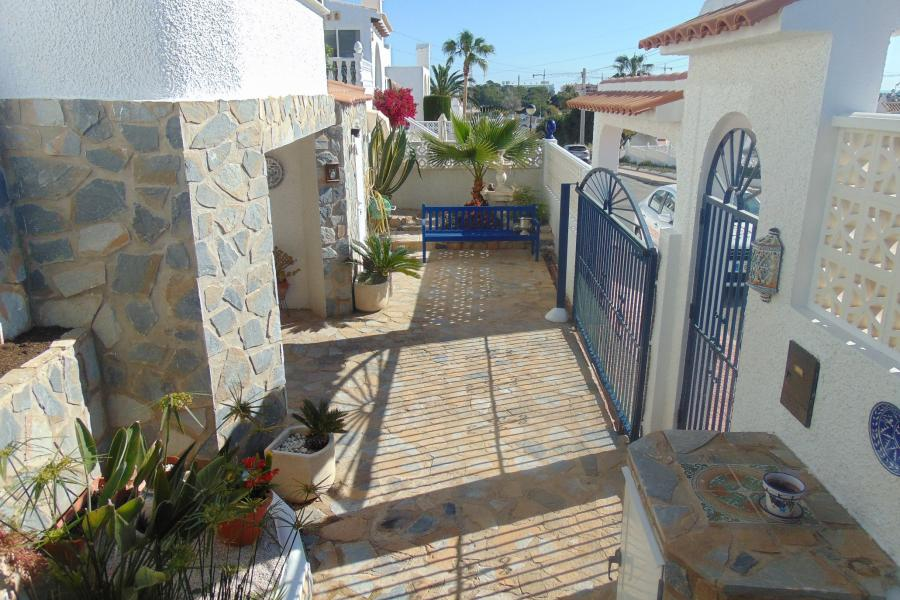 Property for sale - Villa for sale - Orihuela Costa - Blue Lagoon