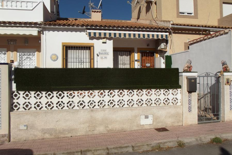 Property for sale - Bungalow for sale - Orihuela Costa - La Florida