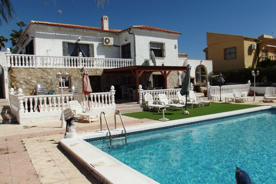 Property for sale - Villa for sale - Torrevieja - La Siesta