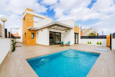 Villa for sale - New Property for sale - Torrevieja - Jardin del Mar